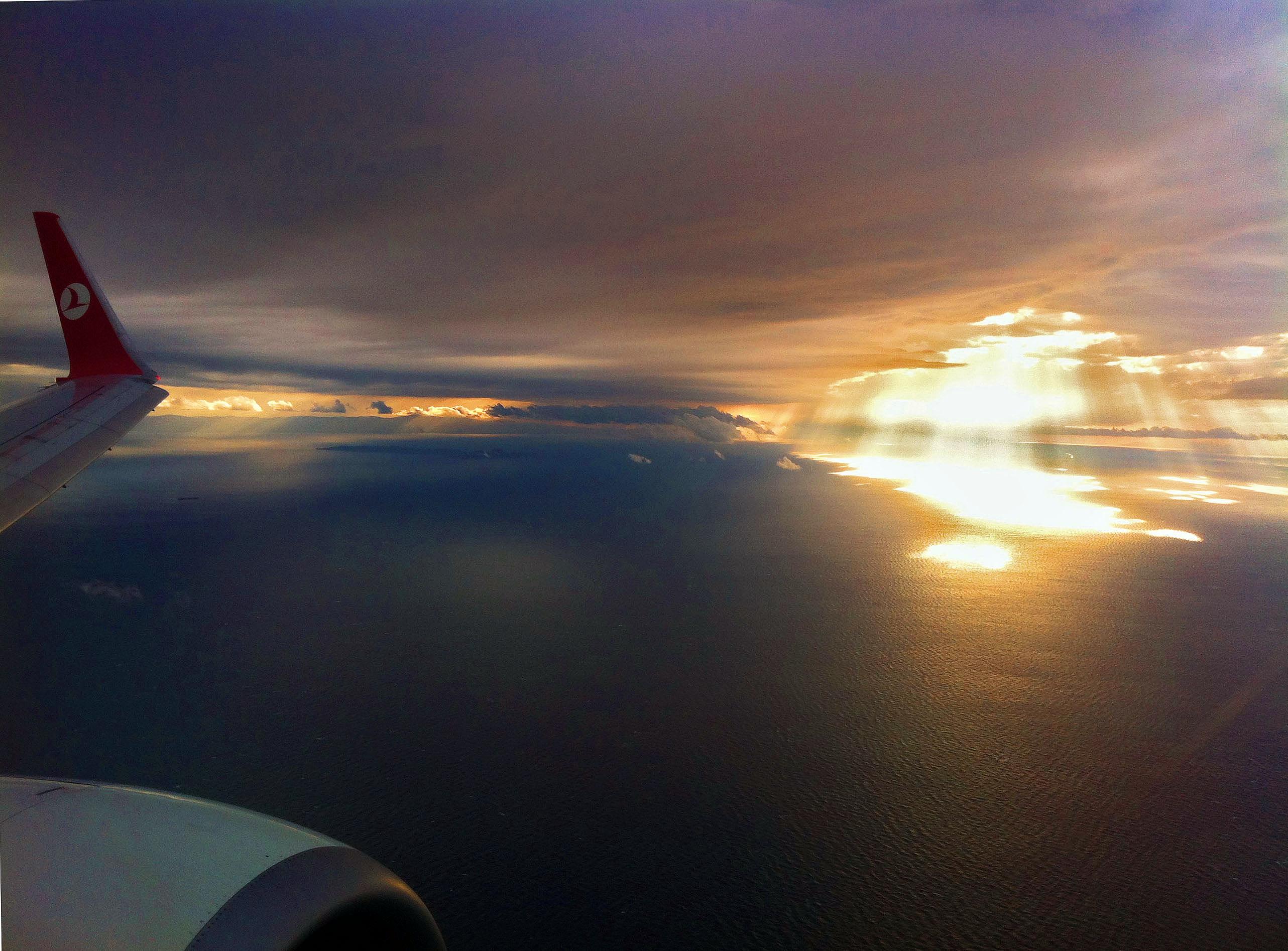 самолет небе хоризонт лъчи истанбул